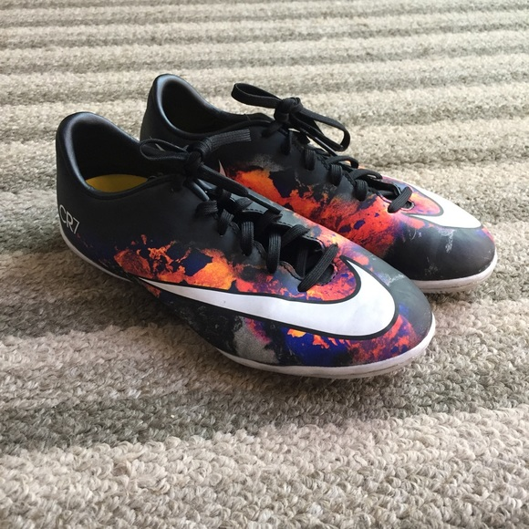 premium selection a7261 048b4 Nike cr7 mercurial indoor soccer shoes. M 5ba1a0152beb79167a10b886
